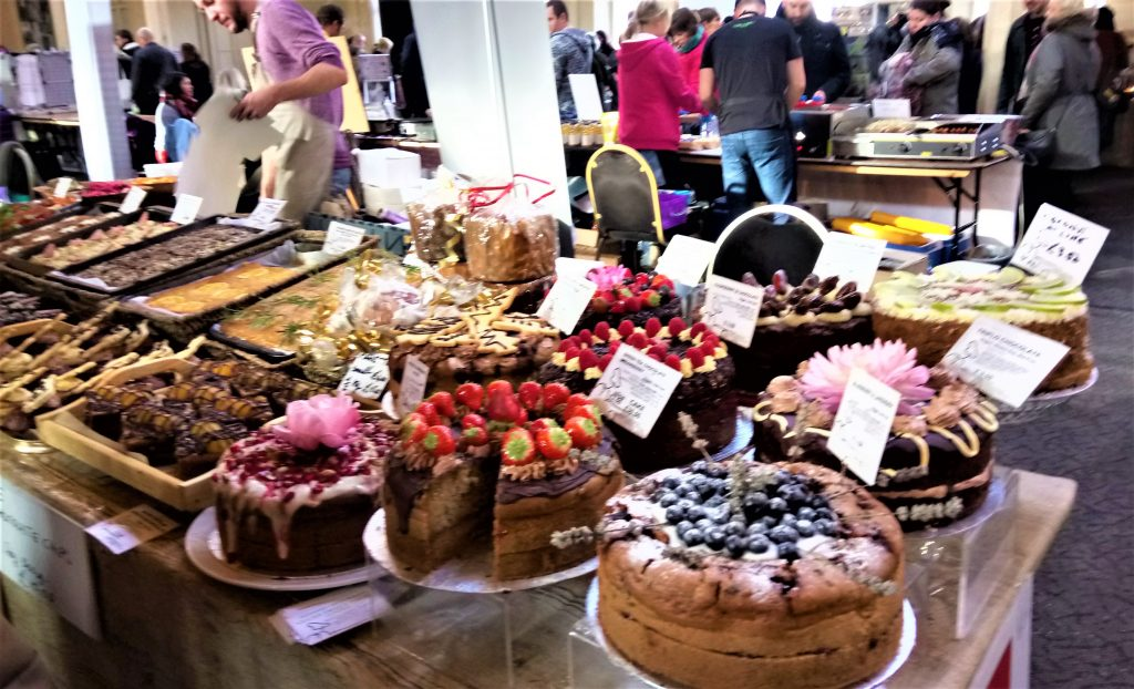 Delicious AND stunning cakes at Viva! Vegan festival in Bristol